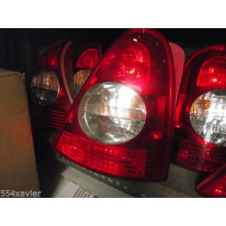 FEUX AR DROIT CLIO 2 phase 2 en parfait etat complet sans platine et lampes !