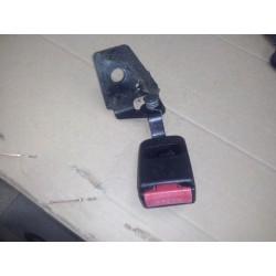 peugeot 307 serie 1 et 2 boucle ceinture arriere gauche ( chauffeur )