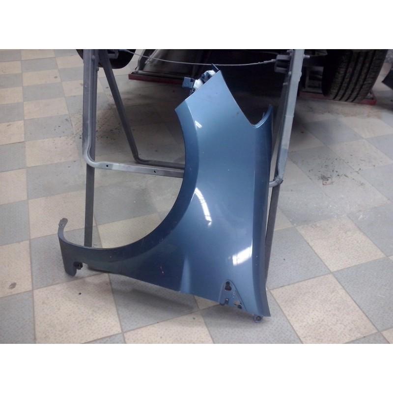clio 3 aile avant gauche couleur bleu gris 01 2006 en 185 ref renault 631014270r. Black Bedroom Furniture Sets. Home Design Ideas