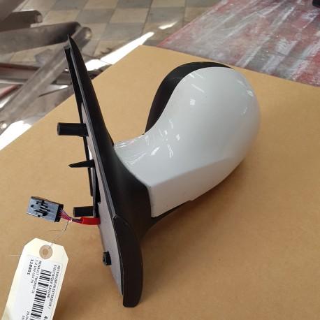retroviseur twingo 2 depuis 2007 cote gauche electrique parfait etat coque blanche 389 369. Black Bedroom Furniture Sets. Home Design Ideas